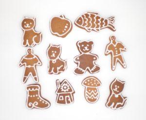 Wybór różnych kształtów malutkich pierniczków